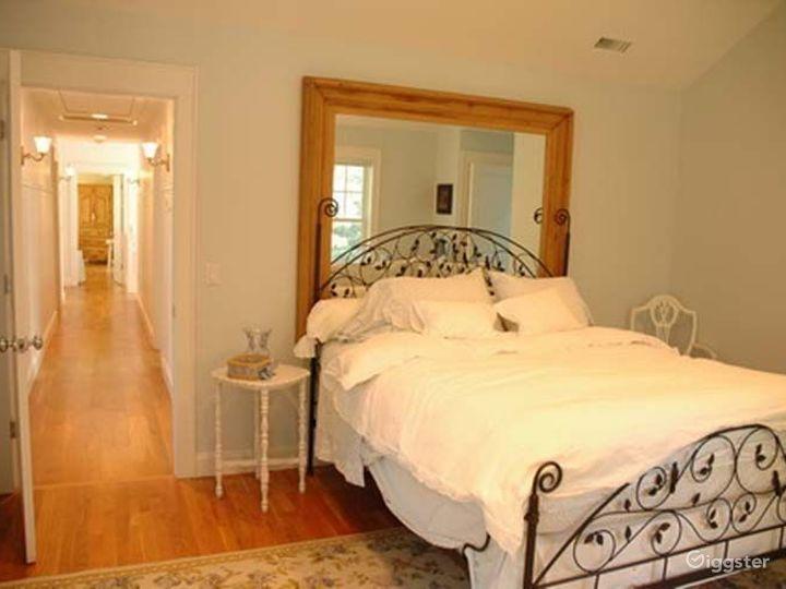 Traditional shingled Hamptons home: Location 4204 Photo 3
