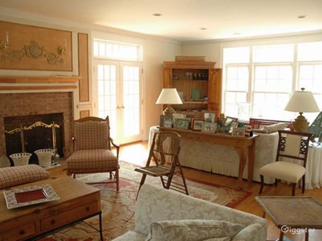 Traditional shingled Hamptons home: Location 4204 Photo 1