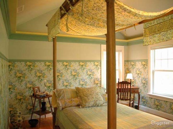 Traditional shingled Hamptons home: Location 4204 Photo 4