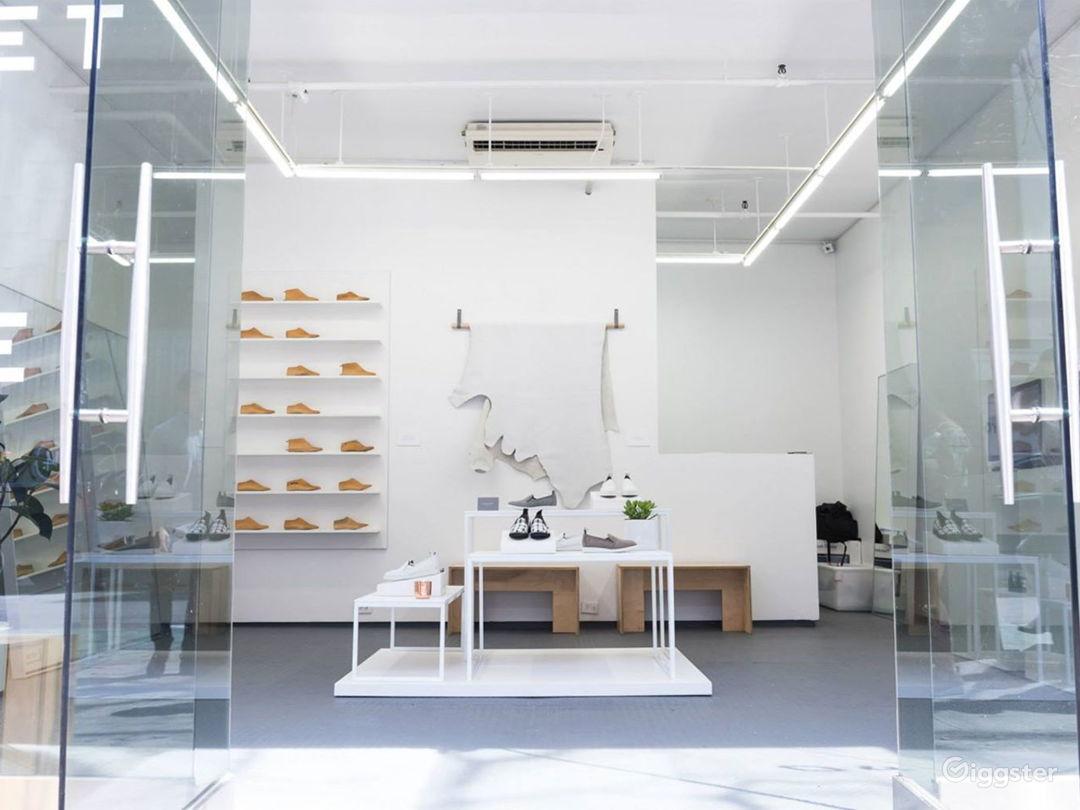 A Perfect Contemporary White Box Photo 1