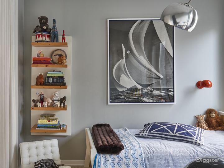 Contemporary Brooklyn apartment: Location 5091 Photo 4