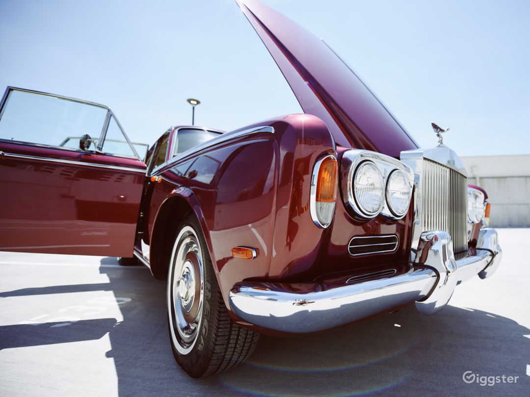 Beautiful and Vintage 1969 Rolls Royce  Photo 1