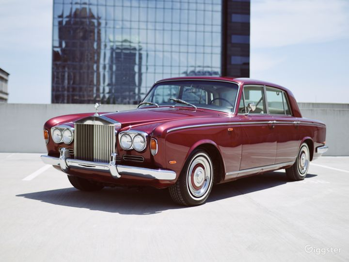 Beautiful and Vintage 1969 Rolls Royce  Photo 3