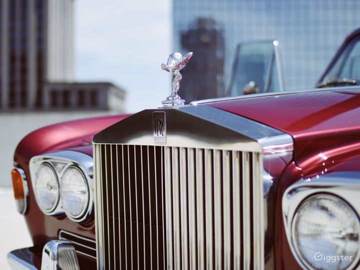 Beautiful and Vintage 1969 Rolls Royce  Photo 4