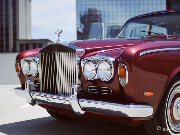 Beautiful and Vintage 1969 Rolls Royce  Photo 2