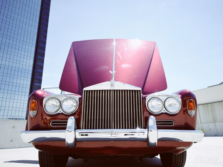 Beautiful and Vintage 1969 Rolls Royce  Photo 5