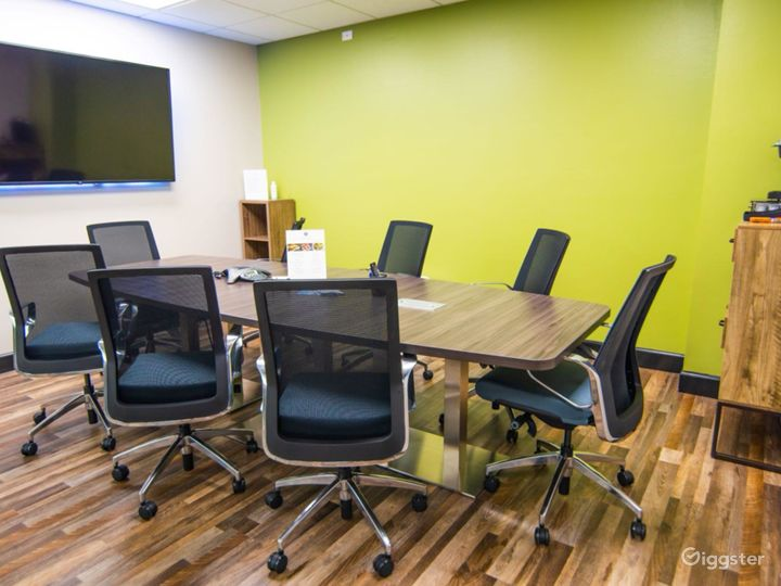 Spacious Conference Room in West Palm Beach Photo 5