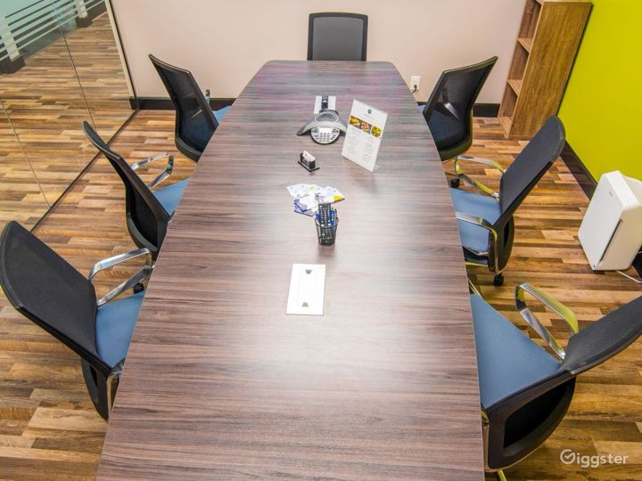 Spacious Conference Room in West Palm Beach Photo 3
