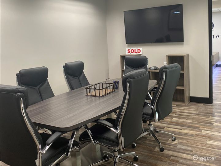 Spacious Conference Room in West Palm Beach Photo 4