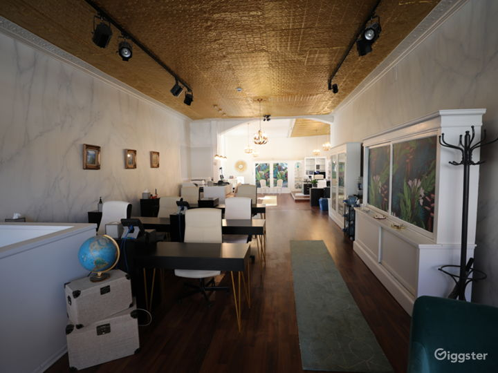 Photo Studio with Natural Light & Equipment Photo 4