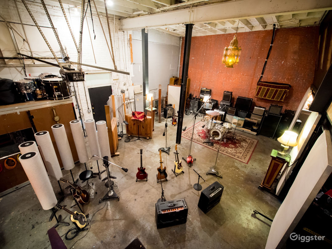 Warehouse / Recording Studios / Kitchen / Photo 1