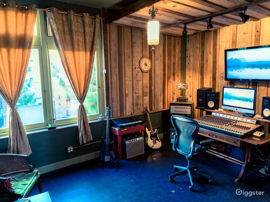 Warehouse / Recording Studios / Kitchen / Photo 3