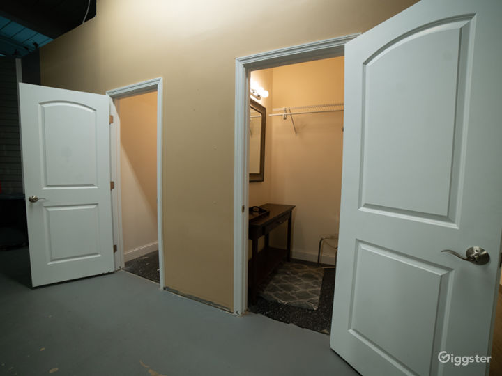 White Cyclorama Room Photo 3
