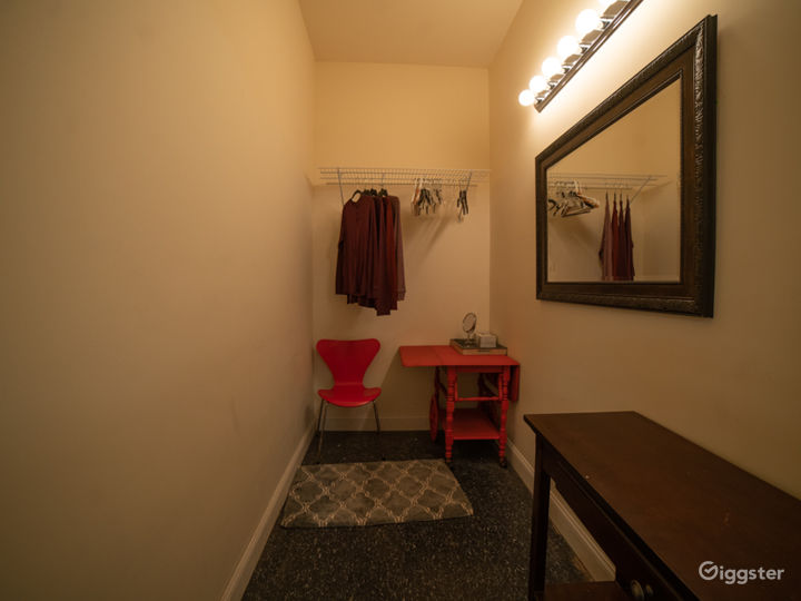 White Cyclorama Room Photo 4