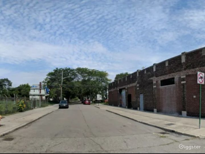 Raw Industrial Garage Production Space - Detroit Photo 5
