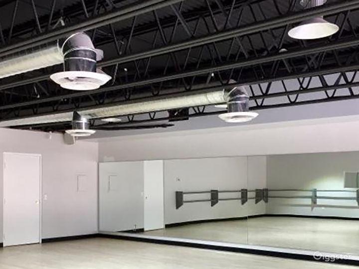 Contemporary Dance Studio II in Woodland Hills Photo 4