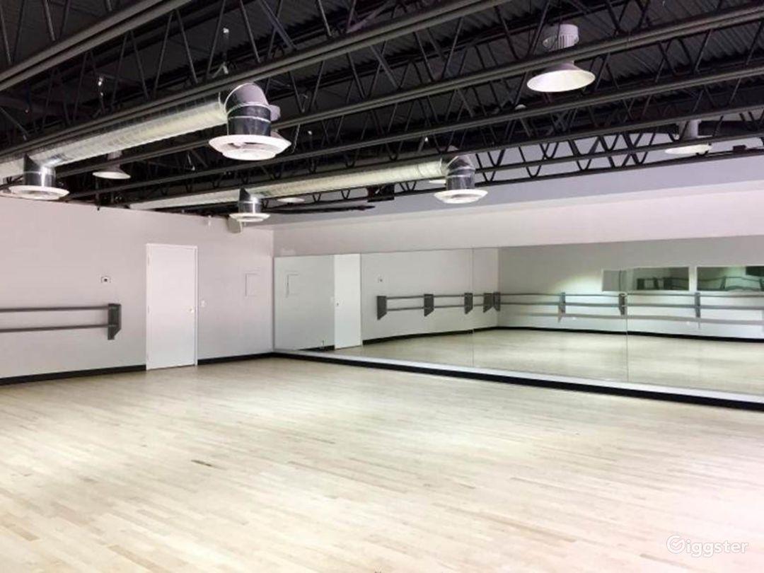 Contemporary Dance Studio II in Woodland Hills Photo 1