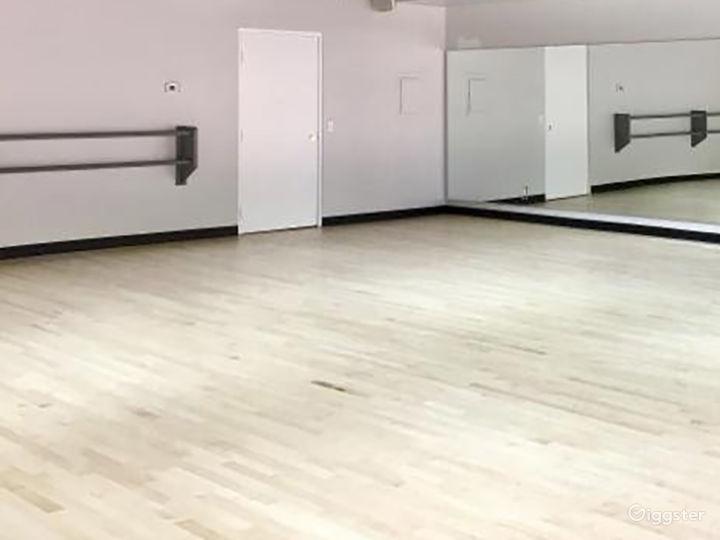 Contemporary Dance Studio II in Woodland Hills Photo 2
