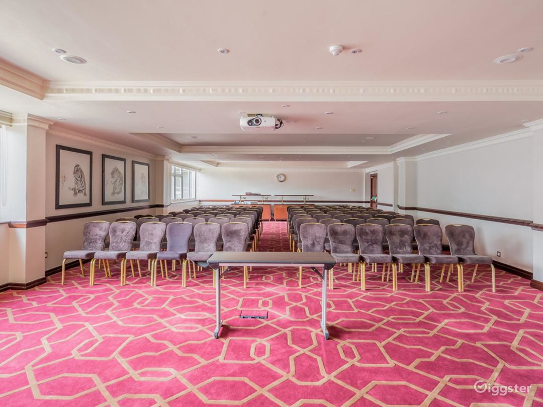 Accessible Private Room 12 in London, Heathrow Photo 1