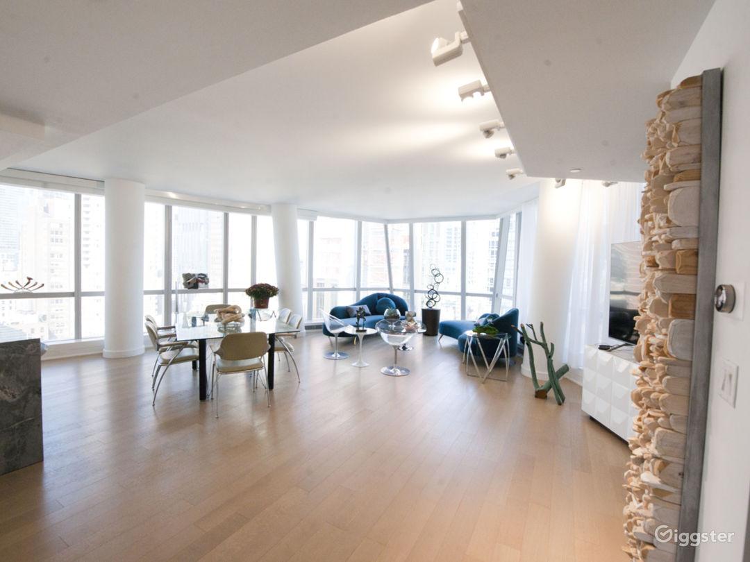 Large, bright, modern Midtown East loft Photo 1