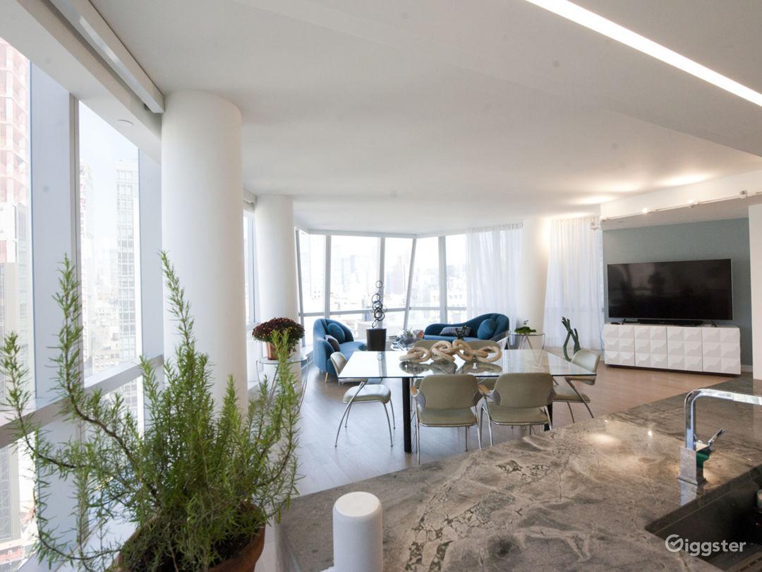 Large, bright, modern Midtown East loft Photo 5