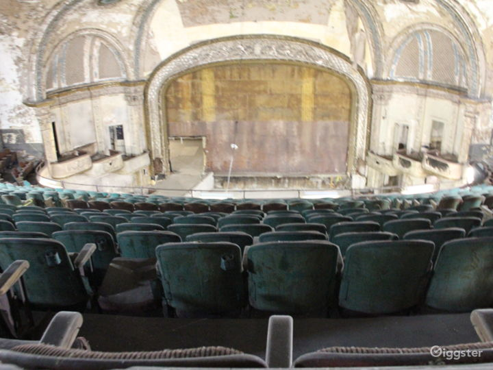 Traditional Distressed Theatre: Location 5185
