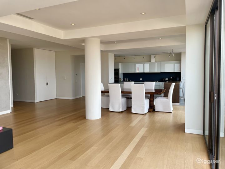 Bright open floor plan UES- Private terrace Photo 3
