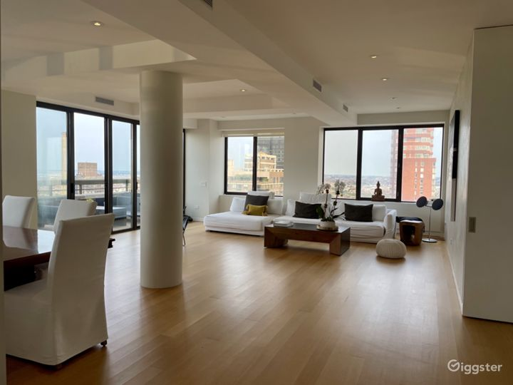 Bright open floor plan UES- Private terrace Photo 2