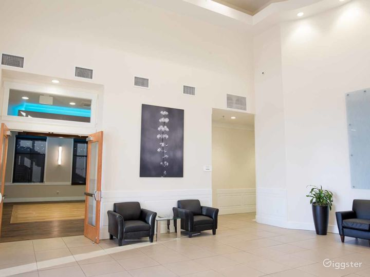 Multi-functional Executive Suite in Fresno Photo 3