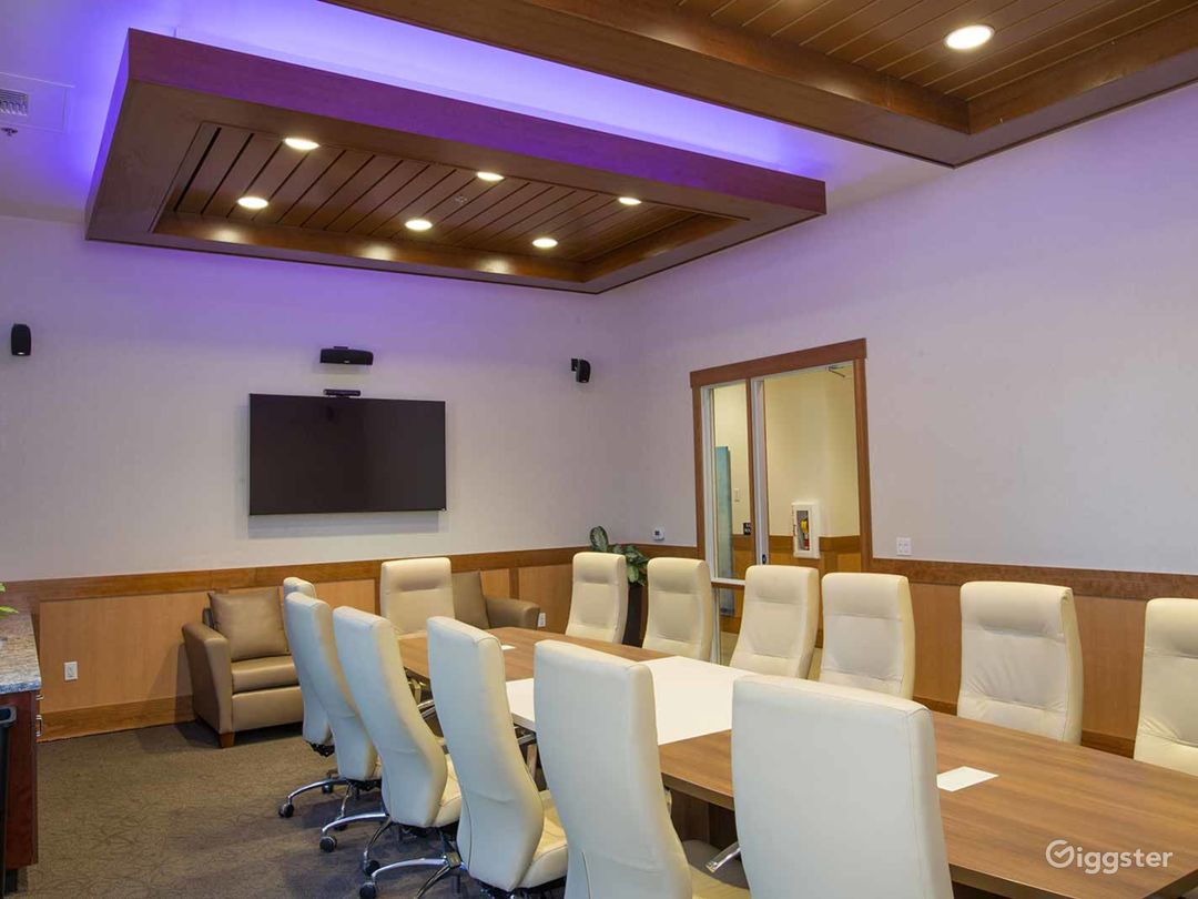 Multi-functional Executive Suite in Fresno Photo 1