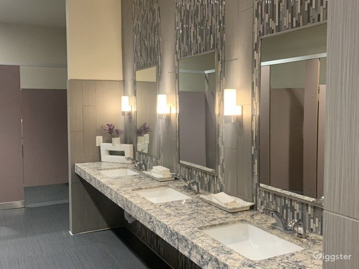 Multi-functional Executive Suite in Fresno Photo 4