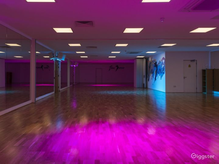 Whole Venue / Studio 1 & 2 / Ambience Lights