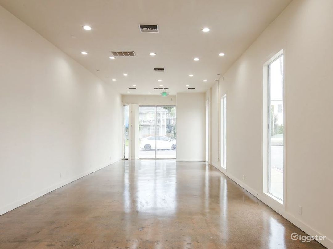 Gorgeous Blank Canvas Storefront West Hollywood Photo 3