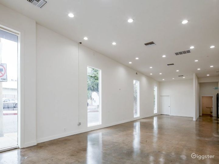 Gorgeous Blank Canvas Storefront West Hollywood