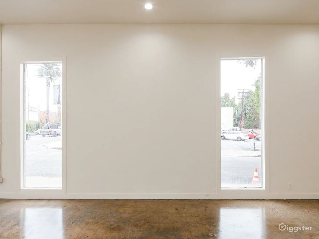 Gorgeous Blank Canvas Storefront West Hollywood Photo 4