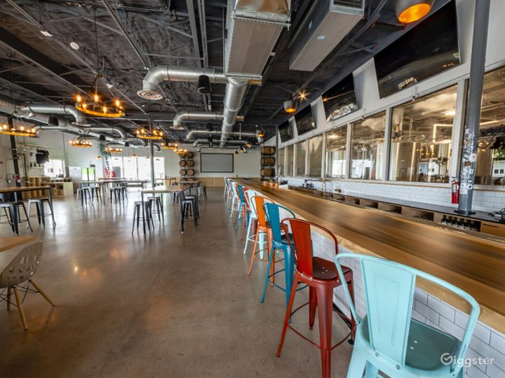Spacious Taproom in Florida Photo 5