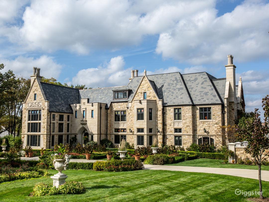 Brooke English Manor Home Photo 1