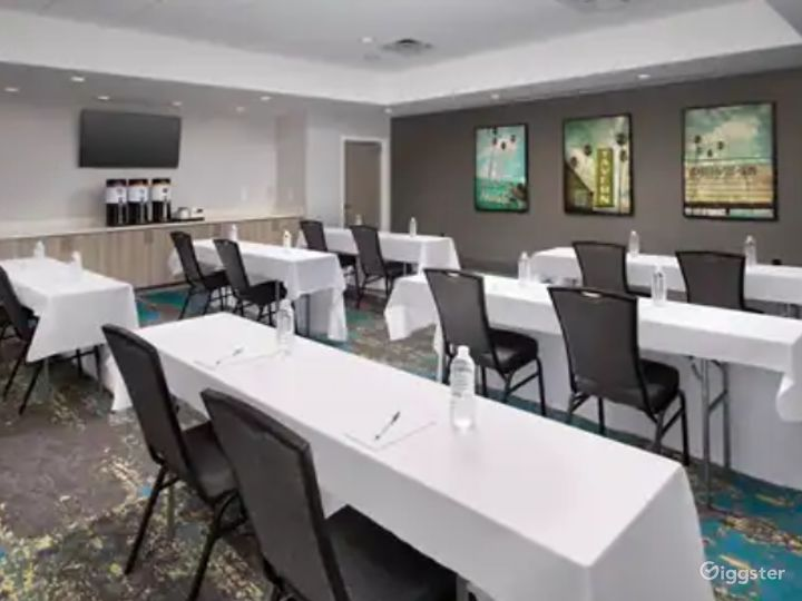 A Quiet Space For Meetings in Miami Photo 2