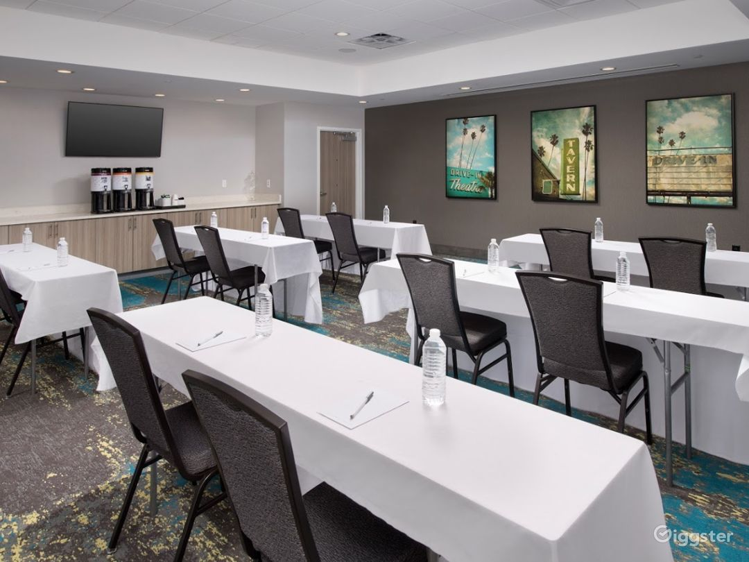 A Quiet Space For Meetings in Miami Photo 1