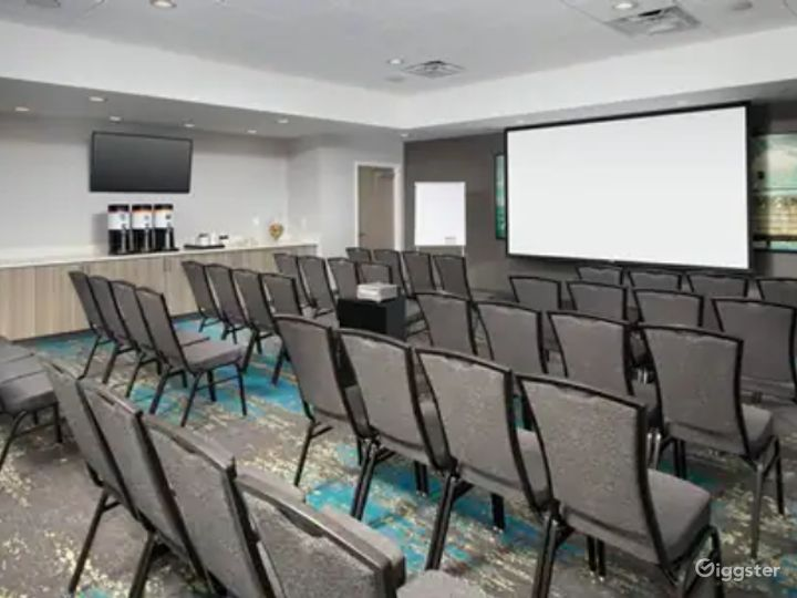A Quiet Space For Meetings in Miami Photo 3