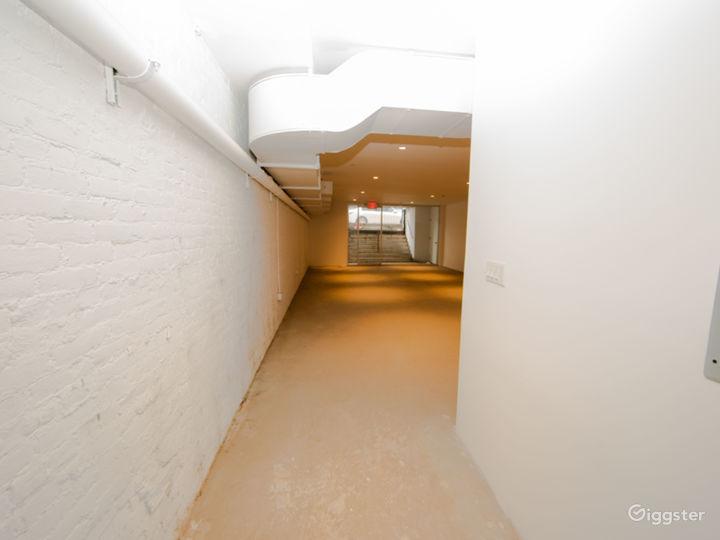 Convertible Modern Retail Space & Galería Photo 5