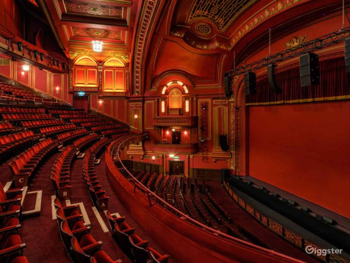 Unique and Atmospheric Theatre in London Photo 3