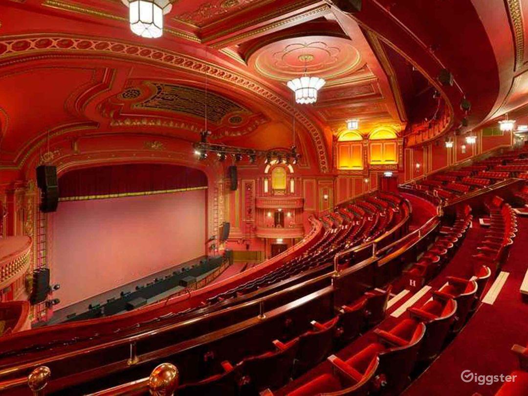 Unique and Atmospheric Theatre in London Photo 1