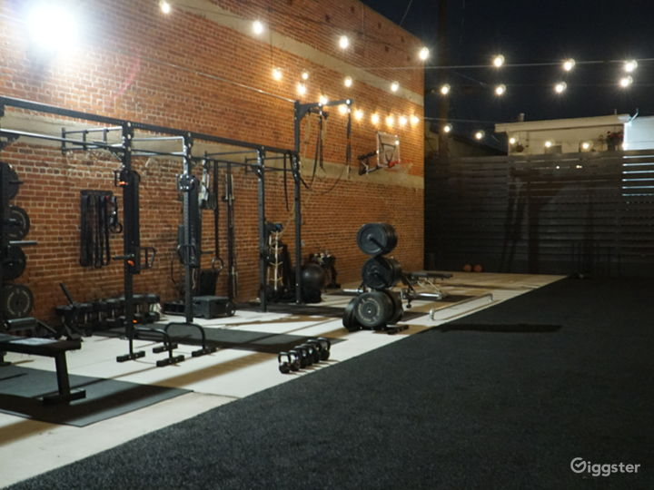 Hollywood Gym w/ Loft Vibes - Exposed Brick Photo 5