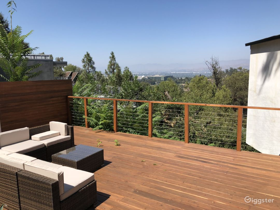 Beautiful Deck with amazing views