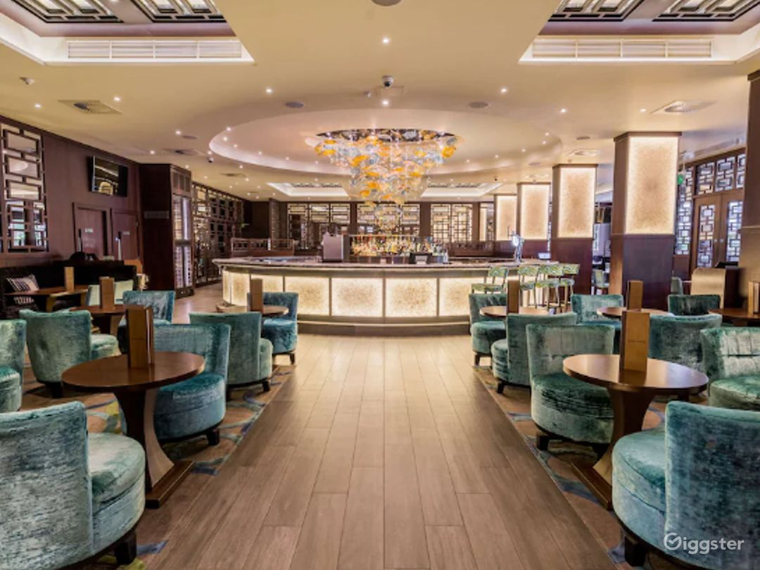Luxurious Steak & Lobster Restaurant in London, Heathrow Photo 1