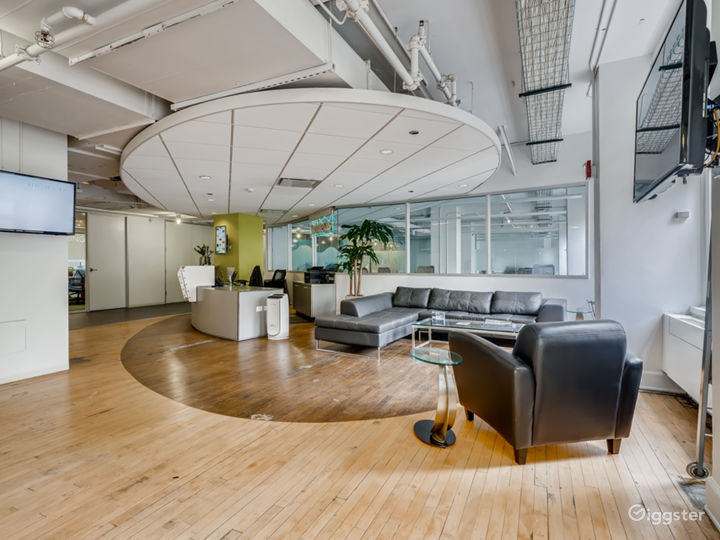 Zoom Equipped Meeting Room with Chicago River View Photo 4