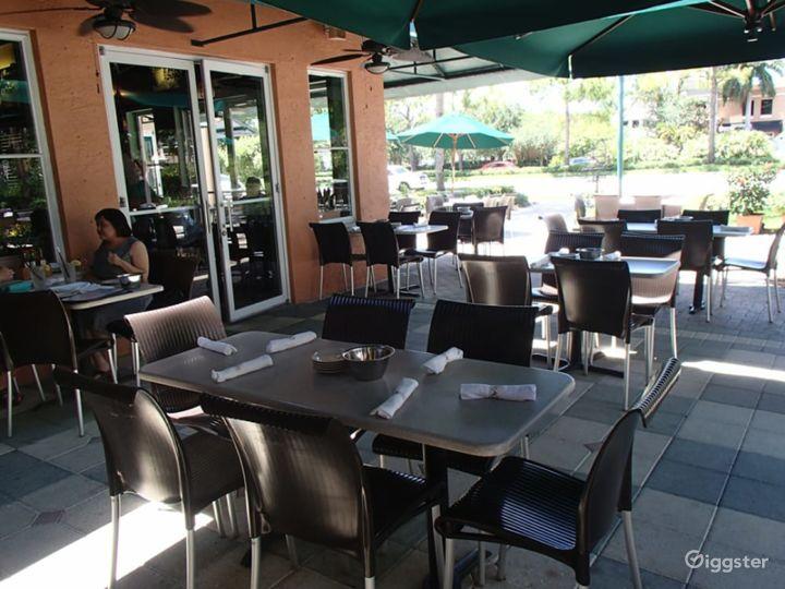 Outside Dining Restaurant Photo 2