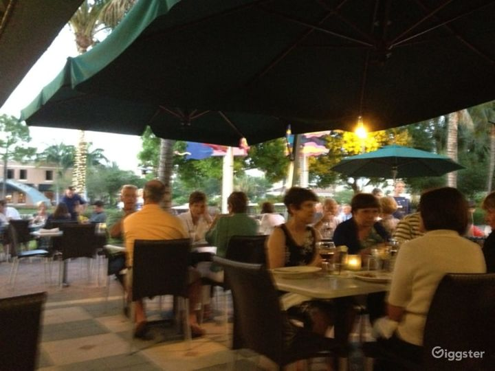 Outside Dining Restaurant Photo 3