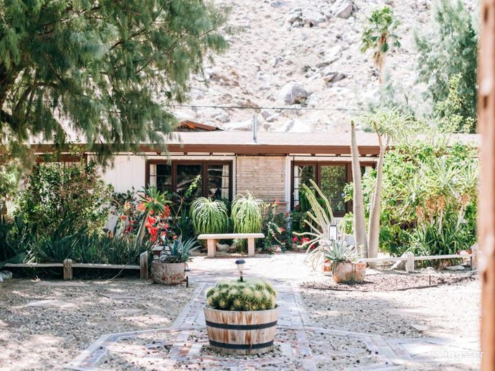 Rustic Ranch in The Tranquil Palm Springs Desert   Photo 2